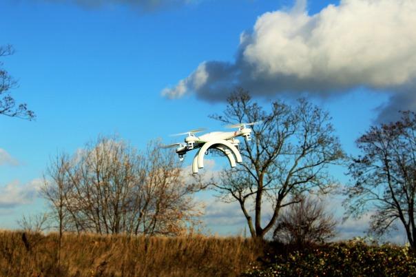 drone-1040763_1920-inthecountry-pixabay-cc0-pubdom