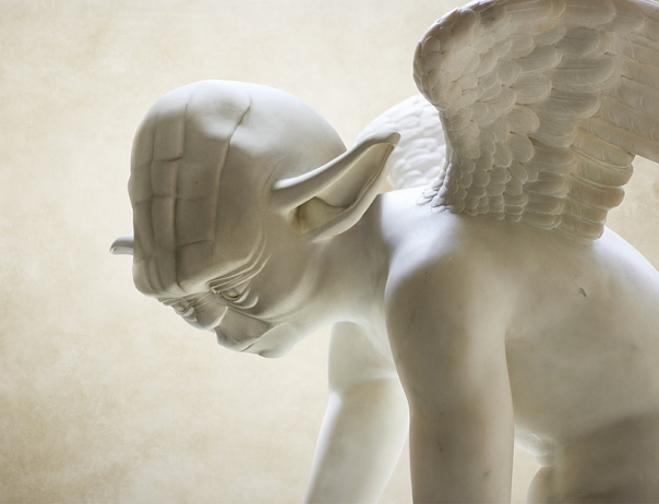 YODEA ANGEL travis-durden-star-wars-greek-statues-designboom-03