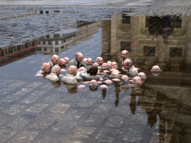 Follow the Leaders Isaac Cordal